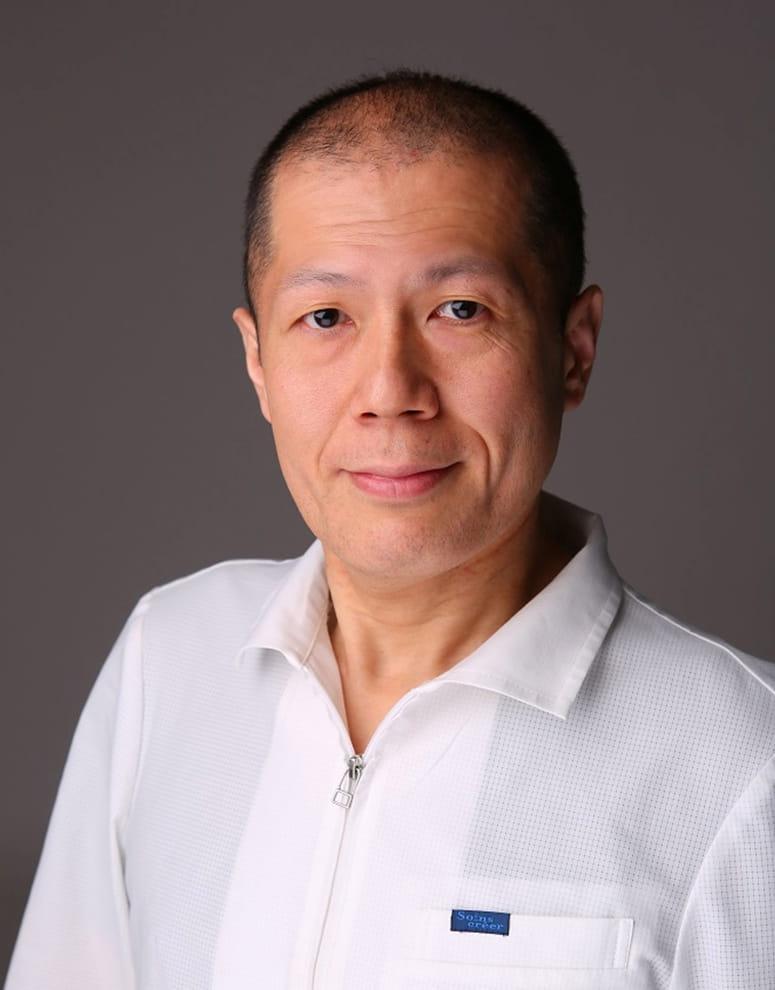 院長 上石 浩之 Hiroyuki Kamiishi